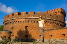 Free Girl Near Ancient Fort Stock Photography - 6751892