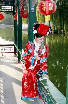 Free Chinese Girl In Ancient Dress Stock Photography - 6754102