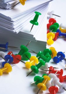 Push Pins And Paper Royalty Free Stock Images
