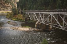 Free Iron Train Bridge Royalty Free Stock Images - 6758769