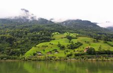 Free The Small Village On The Hills Around Lake Luzern Royalty Free Stock Images - 6758869