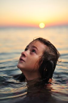 Free Girl In Sea Stock Images - 6762624