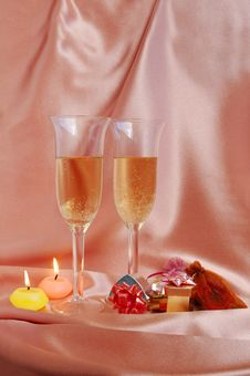 Free Pair Of Champagne Flutes Stock Photos - 6763703
