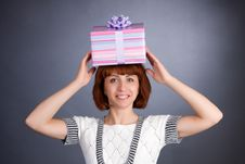 Free The Beautiful Girl With A Box Of Gifts On A Head Royalty Free Stock Images - 6764979