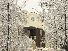 Private Residence Under Snow Royalty Free Stock Images