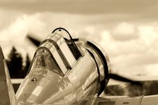 Free Vintage Fighter Training Aircraft Royalty Free Stock Image - 6768806