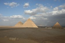 Free Egyptian Pyramids Royalty Free Stock Photo - 6772445