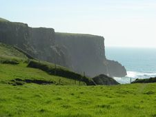 Free Green Cliff Of Moher Royalty Free Stock Photography - 6772537