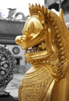 Free Thai Oriental Golden Lion Royalty Free Stock Photography - 6778037