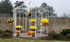 Free Gazebo For Fall Royalty Free Stock Photo - 6779745