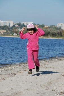 Free Running Child Stock Photos - 6781833
