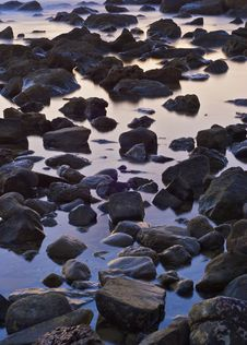 Free The Stone In The Sea Water Stock Photography - 6784512
