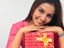 Free Asian Woman With A Gift Box Stock Image - 6784961