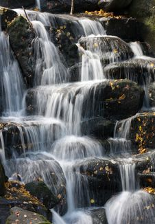 Free Waterfal Royalty Free Stock Image - 6789506