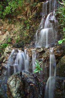 Free Beautiful Waterfall Royalty Free Stock Photos - 6789838