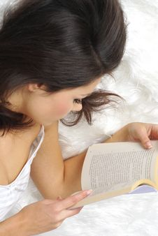 Free Woman Reading Book In Bed Royalty Free Stock Image - 6791206