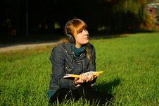 Free Girl Reading The Book Stock Photos - 6792433