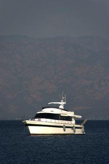 Free Motoryacht Stock Photo - 6792550