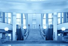 Free Stairs And Escalators On Sides Royalty Free Stock Image - 6793086