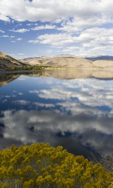 Free Topaz Lake On A Cloudy Afternoon Stock Images - 6793384