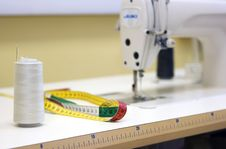 Free Sewing Machine Royalty Free Stock Photography - 6793847