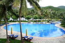 Free Swimming Pool Stock Photo - 6795230
