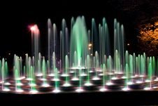 Free Illuminated Fountain Royalty Free Stock Photography - 6796517
