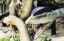 Free Dinosaur Sculpture Royalty Free Stock Photography - 6796687