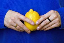 Free Hands With Lemon Royalty Free Stock Photography - 6798867