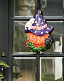 Free Pumpkin, Ghost, Cat And Hat Wreath Stock Images - 6799154