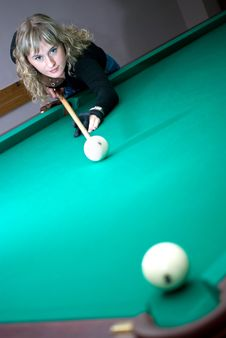 Free The Girl Plays Billiards Stock Image - 6799521