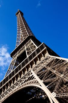 Free Beautiful View Of The Eiffel Tower In Paris Royalty Free Stock Photography - 6799907