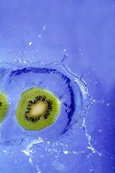 Free Fruits Splashing Royalty Free Stock Photos - 680828