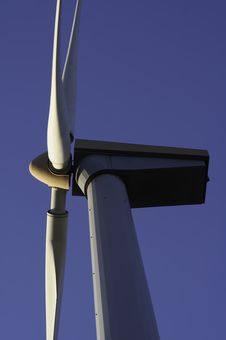 Free Wind Turbine Royalty Free Stock Image - 686016