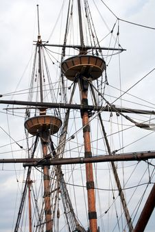 Free Tall Ship Mast Royalty Free Stock Photo - 686085