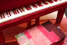 Free Cotton Piano Royalty Free Stock Images - 686859