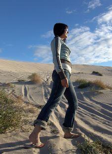 Free Sand Hike Stock Image - 687391