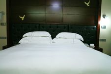 Free King Size Bed Stock Images - 6800524
