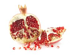 Free Pieces And Grain Of Pomegranate Stock Images - 6802384