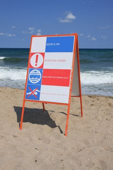 Free Danger Sign At The Sea. Royalty Free Stock Photos - 6803908