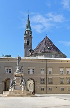 Free The Dome Cathedral In City Center Of Salzburg Royalty Free Stock Images - 6806189