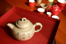 Free PURPLE CLAY TEAPOT Royalty Free Stock Images - 6809029