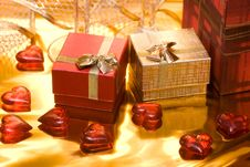 Free Red And Gold Gift Box Stock Images - 6809664