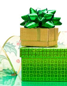 Free Green And Golden Gift Box Royalty Free Stock Images - 6810559