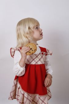 Free Sweet Girl Eating Food Royalty Free Stock Photography - 6810807