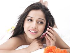 Free Asian Woman Talking In The Cell Stock Photography - 6811152