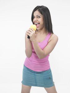 Free Asian Woman Singing Royalty Free Stock Photos - 6811318