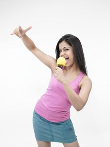 Free Asian Girl Singing Stock Image - 6811321