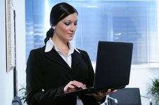 Free Businesswoman And Laptop Stock Photo - 6814030