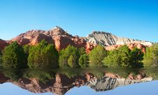 Free Redrock Reflections Royalty Free Stock Image - 6816846